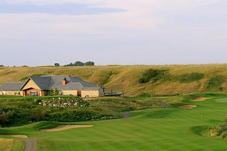 Desert Blume Golf clubhouse